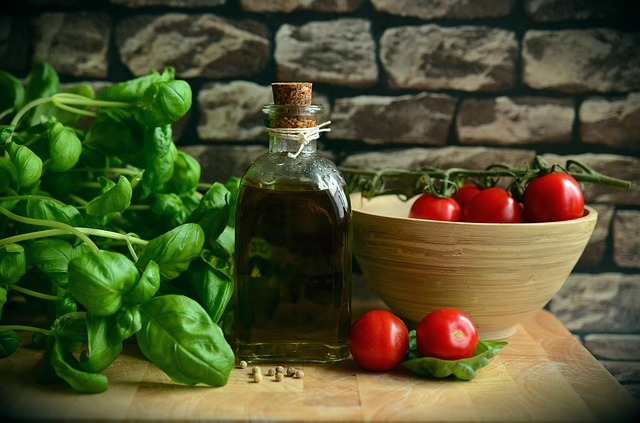 What are the health benefits of the Mediterranian Diet?